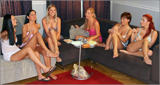 popular adult chat rooms